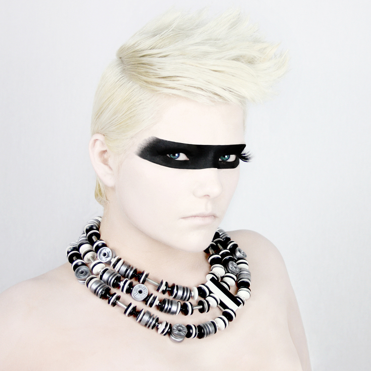 silver-trio-hub-lego-necklace-emiko-oye